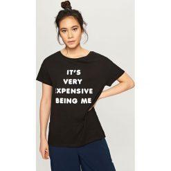 T-shirt z błyszczącym nadrukiem - Czarny. Czarne t-shirty damskie marki Reserved, m, z nadrukiem. Za 24,99 zł.