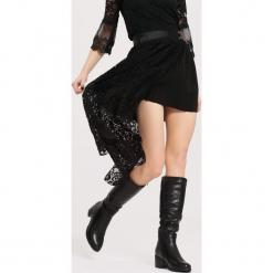 Czarne Kozaki Perspective. Czarne buty zimowe damskie marki Kazar, ze skóry, na wysokim obcasie. Za 179,99 zł.