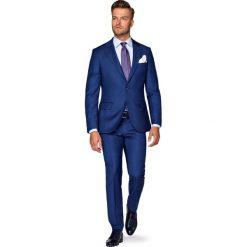 Garnitur Granatowy Radon. Niebieskie garnitury marki LANCERTO, w kolorowe wzory, z tkaniny. W wyprzedaży za 999,90 zł.