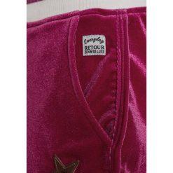Retour Jeans SONIA Spodnie treningowe fuchsia. Czerwone jeansy chłopięce Retour Jeans. Za 139,00 zł.