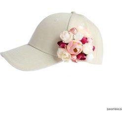 Czapka z daszkiem z kwiatami ecru. Czerwone czapki z daszkiem damskie Pakamera. Za 170,00 zł.