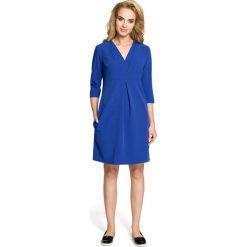 LILY Sukienka z podwójną plisą - chabrowa. Niebieskie sukienki balowe marki numoco, na imprezę, s, w kwiaty, z jeansu, sportowe. Za 136,99 zł.