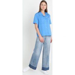 Calvin Klein Jeans POCKET DRAPEY TENCEL SHORT SLEEVE SHIRT Koszula regatta. Niebieskie koszule jeansowe damskie Calvin Klein Jeans, m. Za 399,00 zł.