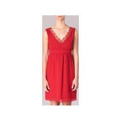 Sukienki krótkie Naf Naf  LARISTA. Czerwone sukienki mini marki NAF NAF, z krótkim rękawem. Za 231,20 zł.
