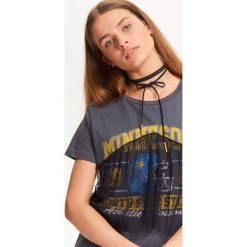 T-shirty damskie: T-SHIRT DAMSKI Z CIEKAWĄ TIULOWĄ FALBANKĄ