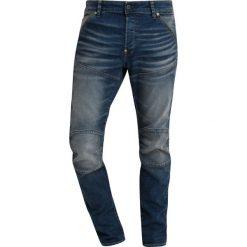GStar 5620 3D SLIM Jeansy Slim Fit dark aged. Czerwone jeansy męskie relaxed fit marki G-Star, l, z napisami. Za 609,00 zł.