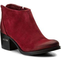Botki CARINII - B3016  I39-000-PSK-861. Czerwone buty zimowe damskie Carinii, z materiału, na obcasie. W wyprzedaży za 209,00 zł.