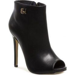 Botki BALDOWSKI - D00736 Czarny. Czarne buty zimowe damskie Baldowski, ze skóry, na obcasie. W wyprzedaży za 349,00 zł.