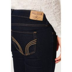 Hollister Co. Jeans Skinny Fit rinse. Czarne boyfriendy damskie Hollister Co. Za 199,00 zł.
