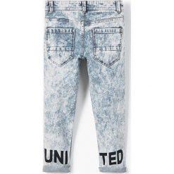 Mango Kids - Jeansy dziecięce United 110-164 cm. Niebieskie jeansy chłopięce marki House. W wyprzedaży za 49,90 zł.