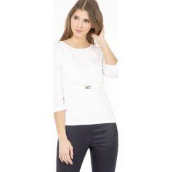 Bluzki asymetryczne: Elegancka bluzka z klamrą