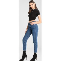 Rurki damskie: Missguided HIGH WAIST BARBIE MOM  Jeansy Zwężane blue denim