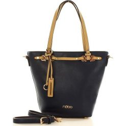 NOBO Trapezowa torebka na ramię granatowy. Niebieskie shopper bag damskie Nobo, w paski, ze skóry ekologicznej, na ramię. Za 159,00 zł.