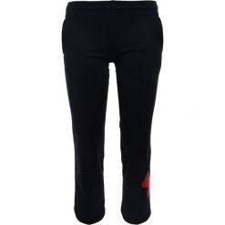 Under Armour BIG LOGO Spodnie treningowe black. Czarne spodnie chłopięce Under Armour, z materiału. Za 189,00 zł.