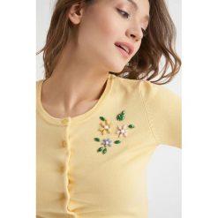 Swetry rozpinane damskie: Sweter na guziki