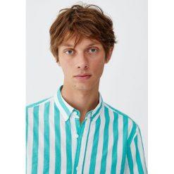 Koszula w szerokie kolorowe paski. Czerwone koszule męskie w paski marki Pull&Bear, m. Za 62,90 zł.