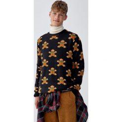 Świąteczny sweter z ciasteczkami. Niebieskie swetry klasyczne męskie marki Cropp, l. Za 109,00 zł.