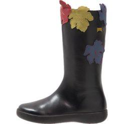 Camper TWINS Kozaki black. Czarne buty zimowe damskie Camper, z materiału, na wysokim obcasie. W wyprzedaży za 293,30 zł.