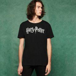 Męski t-shirt Harry Potter - Czarny. Czarne t-shirty męskie marki Reserved, l. Za 39,99 zł.