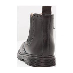 Florens Botki softy nero. Czarne buty zimowe damskie Florens, z materiału. W wyprzedaży za 363,30 zł.