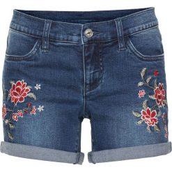 """Szorty dżinsowe z haftem bonprix niebieski """"stone"""". Niebieskie bermudy damskie bonprix, z haftami, z jeansu. Za 89,99 zł."""
