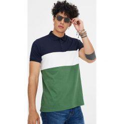 Koszulka polo z krótkim rękawem i panelami. Czarne koszulki polo marki Pull&Bear, m. Za 59,90 zł.