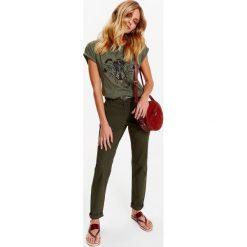 Spodnie damskie: SPODNIE CHINOSY DAMSKIE Z PASKIEM