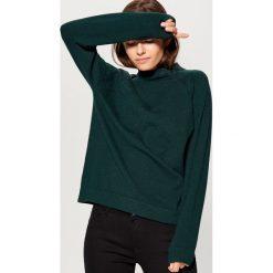 Sweter z półgolfem - Zielony. Czerwone swetry klasyczne damskie marki Mohito, z bawełny. Za 99,99 zł.