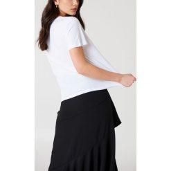 NA-KD Koszulka Double X - White. Białe t-shirty damskie NA-KD, z okrągłym kołnierzem. Za 72,95 zł.