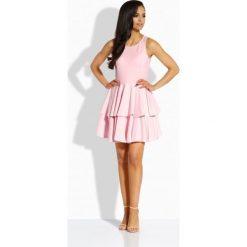 Elegancka sukienka z podwójną falbaną pudrowy róż CHANTAL. Brązowe sukienki balowe marki Lemoniade, z klasycznym kołnierzykiem. Za 119,90 zł.