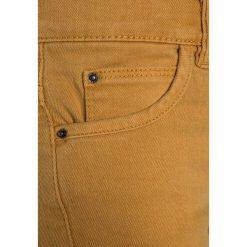 IKKS BERMUDA Szorty jeansowe yellow. Brązowe spodenki chłopięce IKKS, z bawełny. Za 229,00 zł.