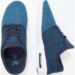 Nike SB STEFAN JANOSKI MAX Tenisówki i Trampki industrial blue/obsidian/photo blue. Niebieskie trampki męskie Nike SB, z materiału. W wyprzedaży za 349,30 zł.