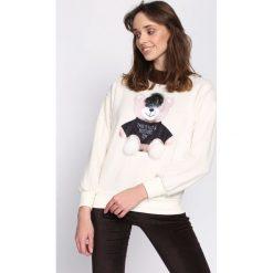 Kremowa Bluza Award Winner. Białe bluzy damskie Born2be, l, z aplikacjami, z dresówki, z długim rękawem, długie. Za 59,99 zł.