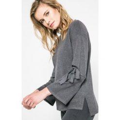 Answear - Sweter. Niebieskie swetry klasyczne damskie marki DOMYOS, z elastanu, street, z okrągłym kołnierzem. W wyprzedaży za 59,90 zł.
