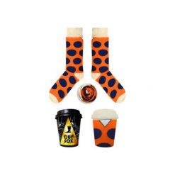 Pomarańczowe skarpety w granatowe grochy. Niebieskie skarpetki damskie marki Cup of sox, z bawełny. Za 24,00 zł.