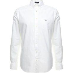 GANT THE OXFORD Koszula white. Białe koszule męskie GANT, m, z bawełny. Za 379,00 zł.