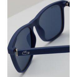 Lacoste Okulary przeciwsłoneczne matte blue. Niebieskie okulary przeciwsłoneczne męskie Lacoste. W wyprzedaży za 503,20 zł.