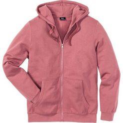 Bluza rozpinana z kapturem Regular Fit bonprix jeżynowy. Fioletowe bejsbolówki męskie bonprix, l, z dresówki, z kapturem. Za 44,99 zł.