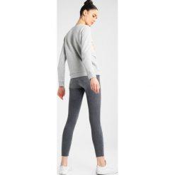 Bluzy damskie: Lee FOIL LOGO Bluza grey