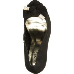 CZÓŁENKA CASU A01275-1. Czarne buty ślubne damskie Casu, na koturnie. Za 79,99 zł.