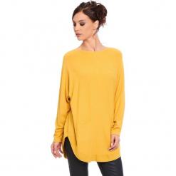 """Sweter """"Fiona"""" w kolorze musztardowym. Żółte swetry klasyczne damskie marki Cosy Winter, s, ze splotem, z okrągłym kołnierzem. W wyprzedaży za 181,95 zł."""