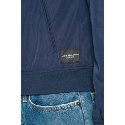 Calvin Klein Jeans - Kurtka. Szare bomberki damskie Calvin Klein Jeans, l, z jeansu. W wyprzedaży za 379,90 zł.