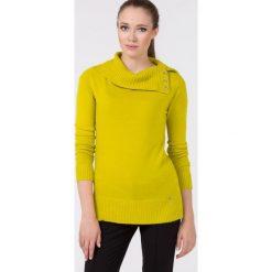 Sweter z wywijanym kołnierzem. Żółte kardigany damskie Monnari. Za 75,18 zł.