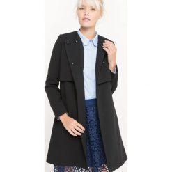 Płaszcze damskie: Lekki płaszcz z paskiem