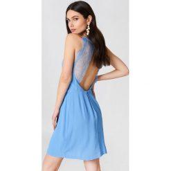 Samsoe & Samsoe Krótka sukienka Willow - Blue. Niebieskie sukienki koronkowe Samsøe & Samsøe, w koronkowe wzory, z krótkim rękawem, mini. Za 242,95 zł.