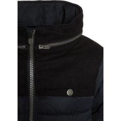 IKKS CITY MODERN Kurtka zimowa noir. Czarne kurtki chłopięce zimowe marki IKKS, z materiału. W wyprzedaży za 405,30 zł.
