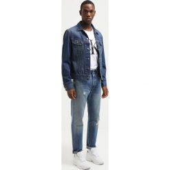 Calvin Klein Jeans Tshirt z nadrukiem bright white. Białe t-shirty męskie z nadrukiem marki Calvin Klein Jeans, m, z bawełny. W wyprzedaży za 175,20 zł.