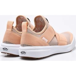Vans - Buty UltraRange Gore. Szare buty sportowe damskie marki Vans, z gumy, wspinaczkowe. W wyprzedaży za 269,90 zł.
