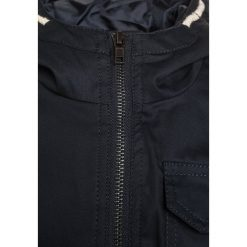 Cars Jeans ARYELL Kurtka przejściowa navy. Niebieskie kurtki chłopięce przejściowe marki Cars Jeans, z bawełny. W wyprzedaży za 209,30 zł.