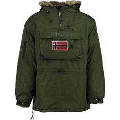 """Parka """"Beco"""" w kolorze khaki. Brązowe parki męskie marki Geographical Norway Men, m. W wyprzedaży za 409,95 zł."""